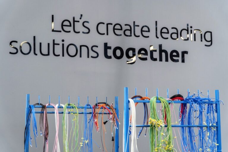 lets-create-leading-solutions-together-cables